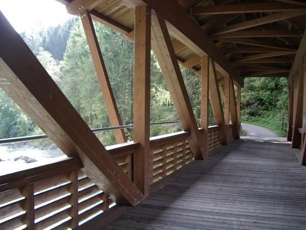Radweg-Brücke