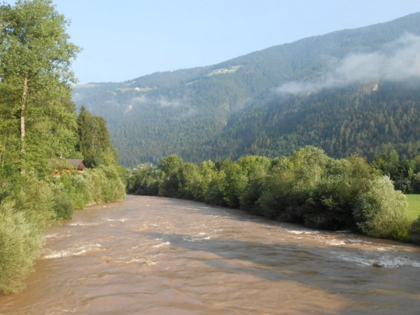 Fluss Rienz im Pustertal